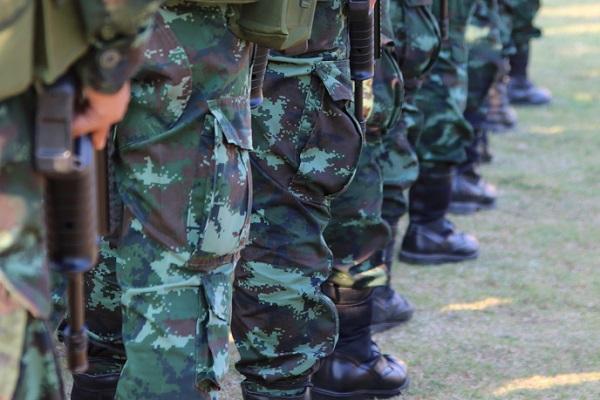 Fußmarsch von Soldaten